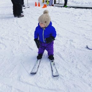 Small kid with skis